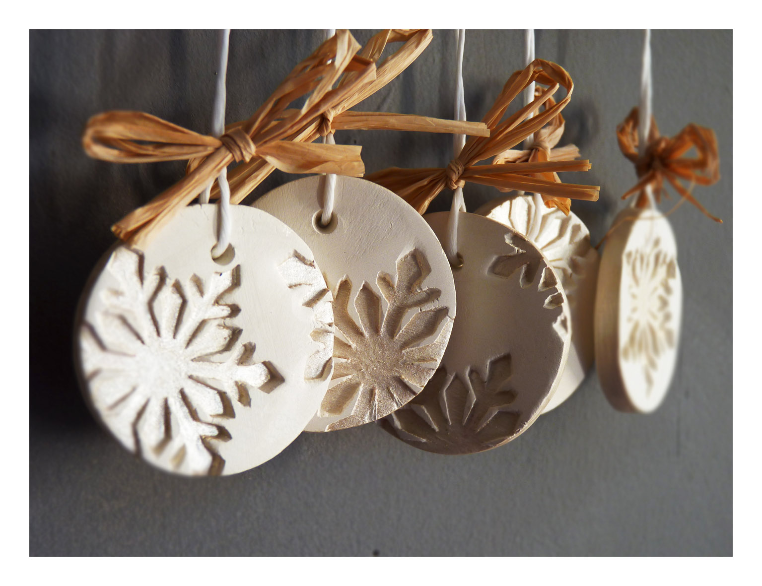 Modern Snowflake Ornaments-Set Of 5, White Ceramic, Pearl Painted